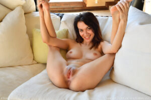 Super skinny dirty girl Sawyer spreads and penetrates her pussy and ass with a double dong