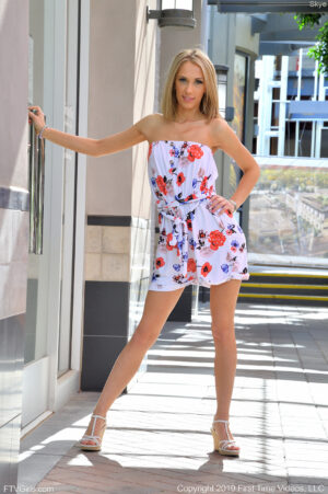 Leggy lithe blonde beauty Skye strips and spreads in public