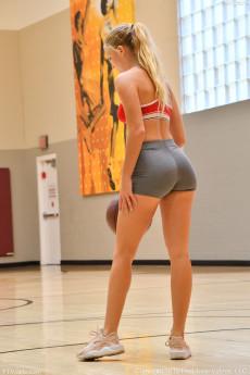 wpid-hottie-at-the-gym2.jpg