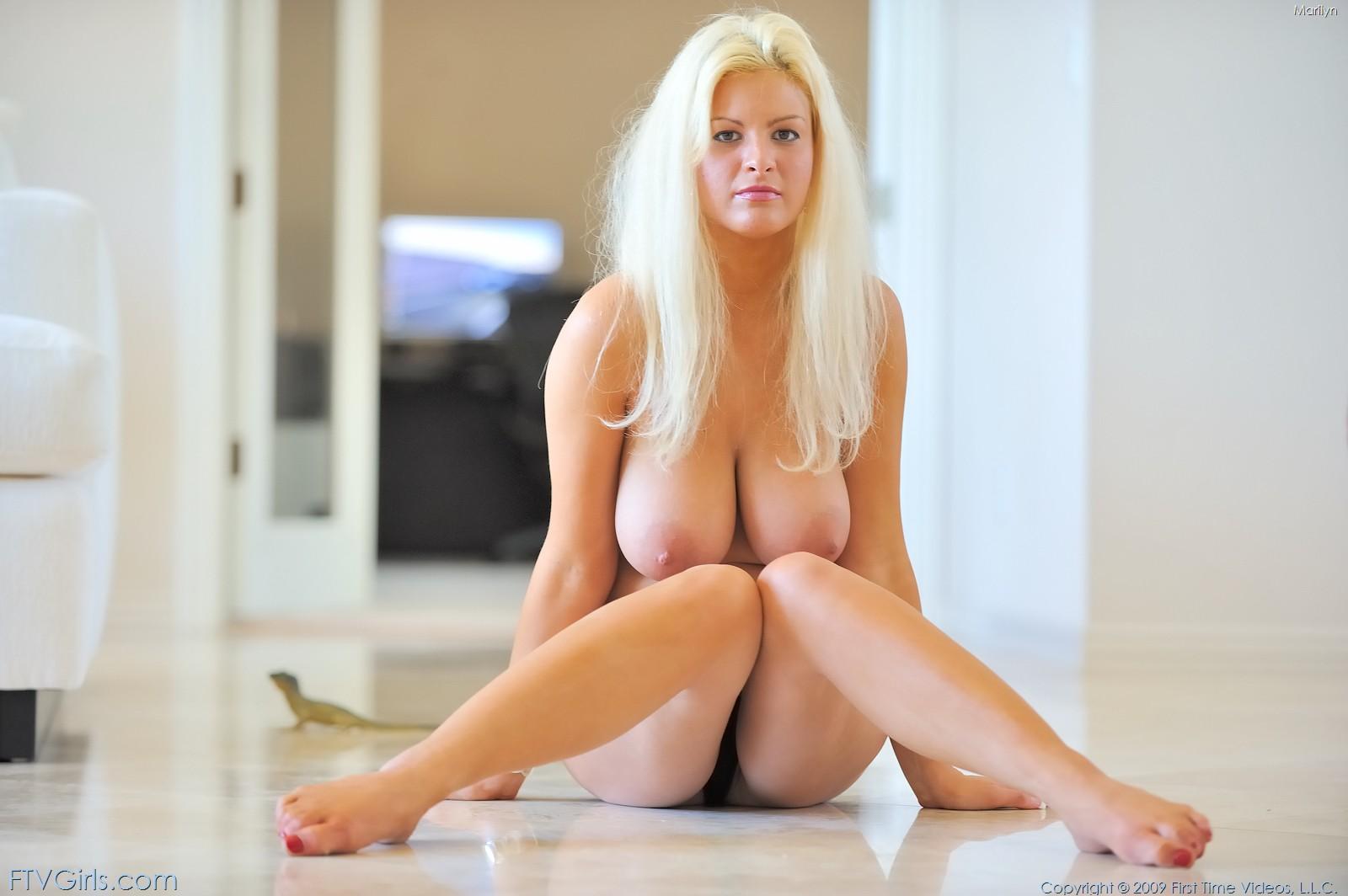 wpid-marilyn-shows-off-her-big-boobs3.jpg