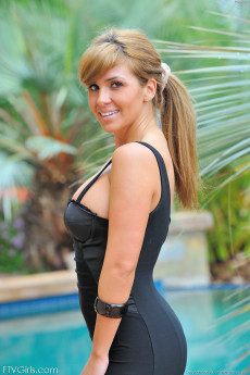 Thick butt brunette Patricia poses in a sexy black dress