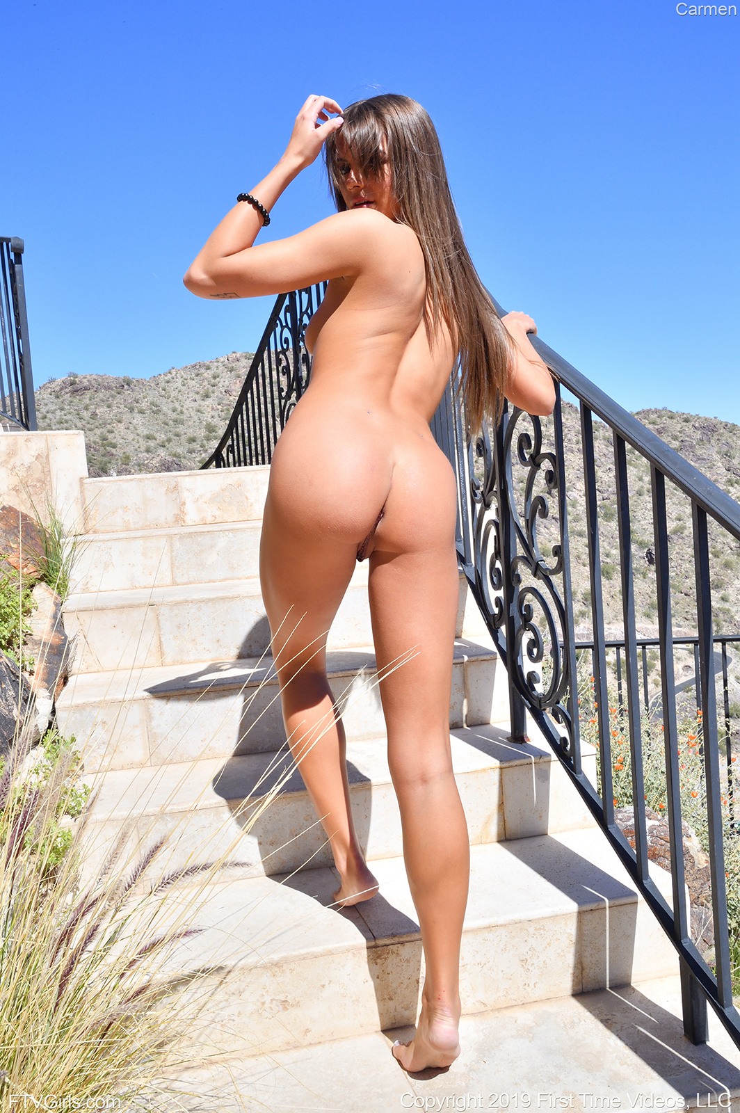 wpid-super-sexual-coed-carmen-totally-naked-out-in-the-sun-prolapsing-her-anus4.jpg