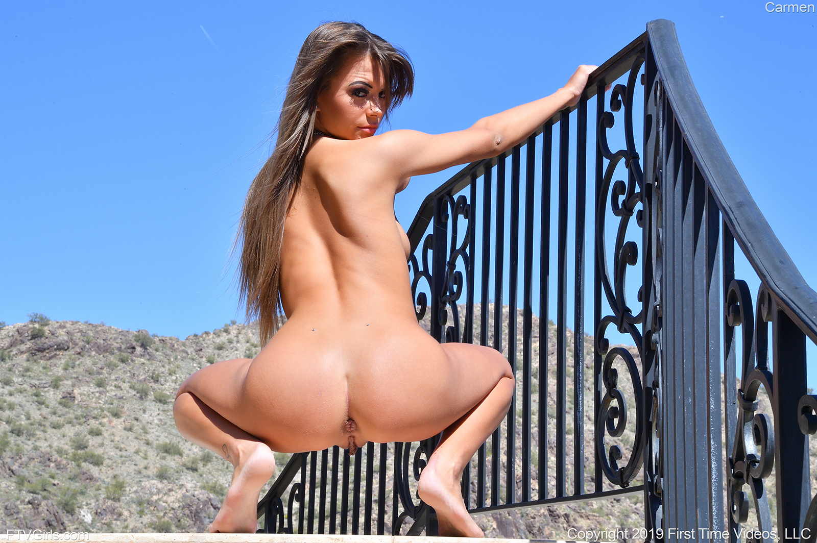 wpid-super-sexual-coed-carmen-totally-naked-out-in-the-sun-prolapsing-her-anus7.jpg